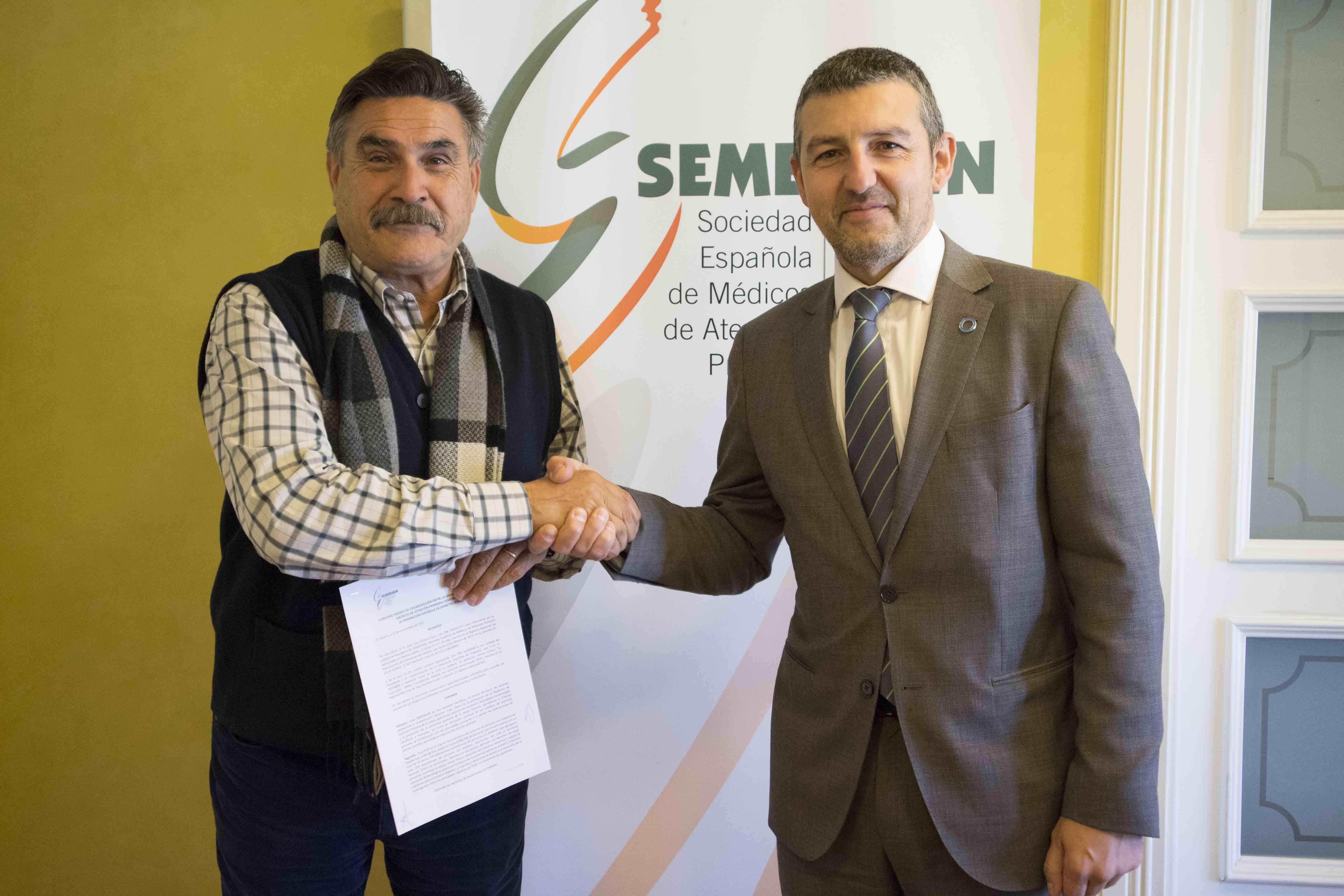 José Luis Llisterri, presidente de Semergen, y Andoni Lorenzo, presidente de FEDE.